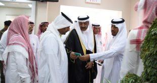 """محافظ صامطة""""زعلة"""" يدشن مبادرة تحسين بيئة العمل بمركز أبو حجر الاعلى"""