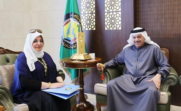 Photo of الأمين العام لمجلس التعاون يستقبل رئيسة مركز إدارة حالات الطوارئ لمجلس التعاون