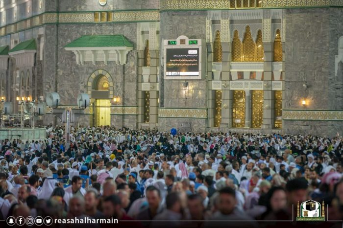 Photo of مليوني مصلٍ وأمطار بالمسجد الحرام.. ومعتمرون يشيدون بالخدمات