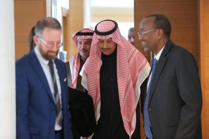 Photo of سفير المملكة لدى الأردن يلتقي رئيس الديوان الملكي الأردني