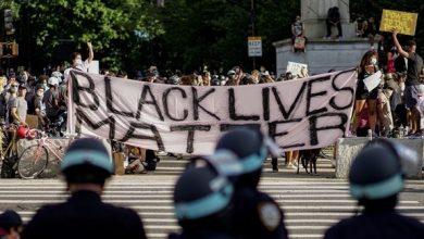 Photo of اتهام متظاهرين بمهاجمة سيارات للشرطة في #نيويورك