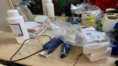 Photo of #بالصور.. ضبط حلاق يستقبل زبائنه داخل محل سكنه في #جازان