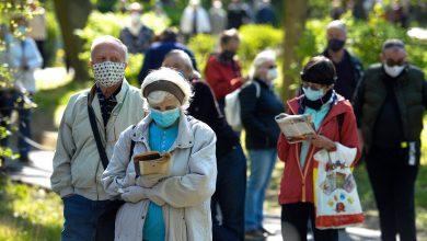 """Photo of قفزات في حالات #كورونا تعيد """"القيود"""" لمدن أوروبا"""
